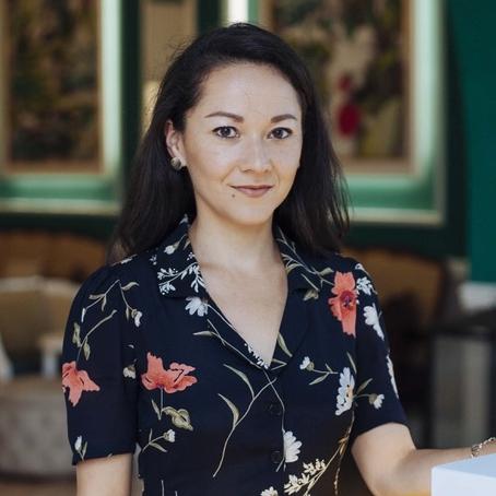 Megumi Gordon,Managing Partner - .