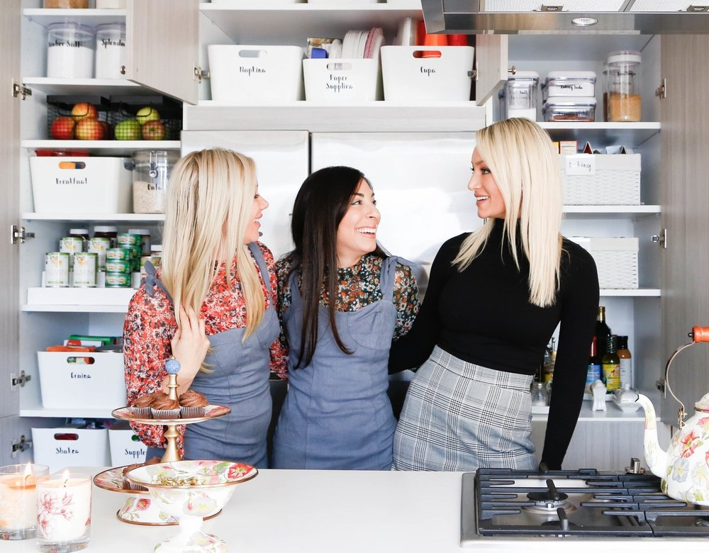 I had the best time hanging out with these girls and setting up Caitlin and husband Zach for success, in their new kitchen. Co-founders Caitlin and Danielle (pictured above) started  onceuponadollhouse.com  years ago and have been killing the 'blog game' in Chicago and beyond. It was a pleasure to work with such talented and genuinely sweet women!  If you find yourself cleaning out your kitchen and are looking for a worthy cause to donate to.  Humble Design  (located in Chicago, Detroit, San Diego, and Seattle) is a non for profit, that furnishes homes for families coming out of homelessness. Kitchen items are always in high demand and you will feel good knowing your items are being repurposed for a good cause.    Thanks for reading,  Melissa, Organize Chicago