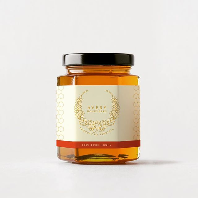 More Fall colors with this honey label in the works! 🍯🐝 did you know the average honeybee only makes 1/12 teaspoon of honey in its life? Talk about liquid gold!!!