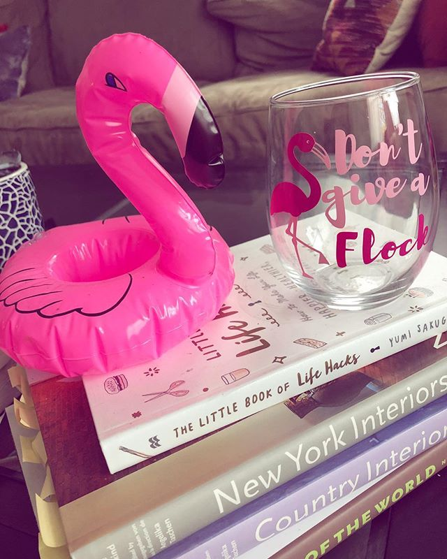 Side-Eye Flamingo feels very seen with this ADORABLY on-brand birthday present from the lovely @mccabelauren💗 check out her Etsy page for creative custom gifts of your own! @modpartydesigns