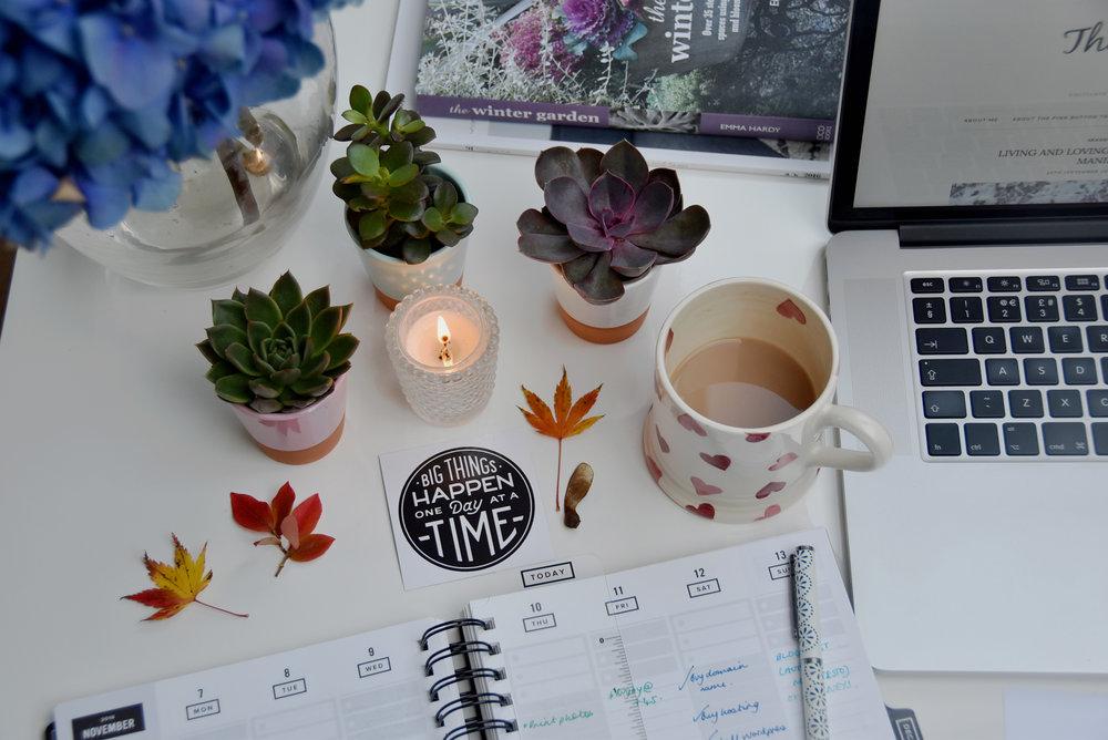 My-desk.jpg