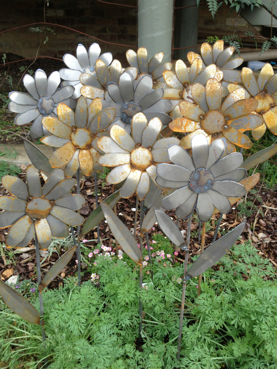 80cm tall Flowers metal sculpture.jpg