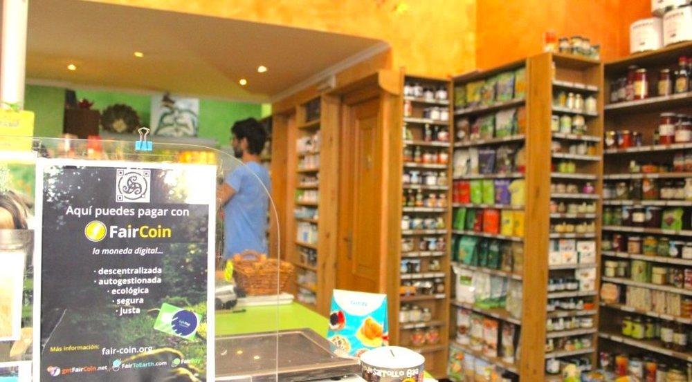 Tenda-de-alimentación-A-Horta-máis-sa-na-Coruña-1024x566.jpg
