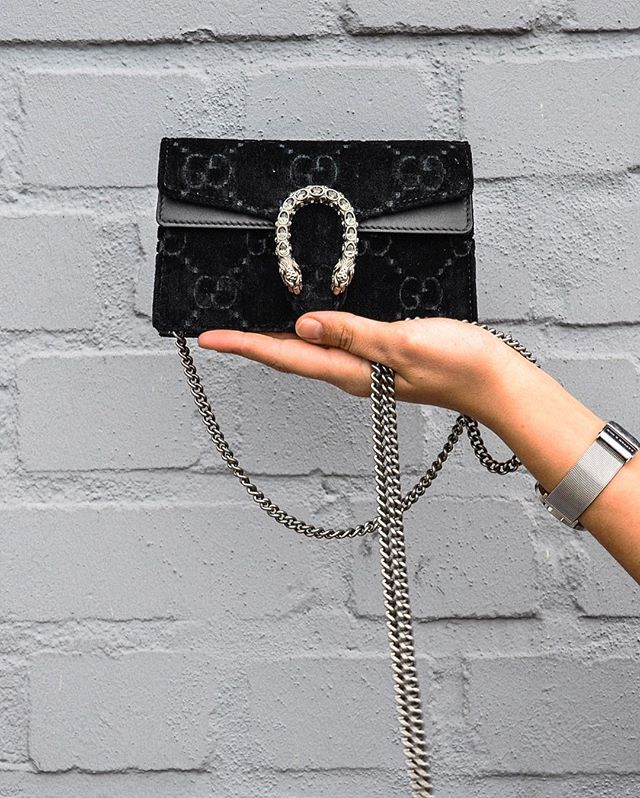 Have you ever seen a cuter #GucciDinoysus bag? Perfect for those evening events coming up ladies!