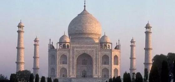 INDIA studs