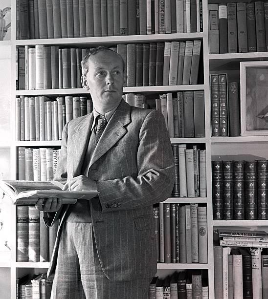15th October 1947:H.E.Bates at his study in Kent