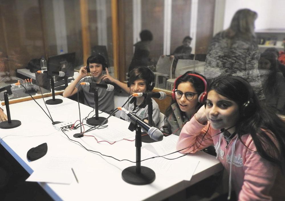 Estudio de radio para Escuela Integral Maimónides