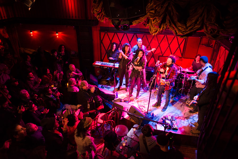 ROCKWOOD MUSIC HALL - LES.jpg