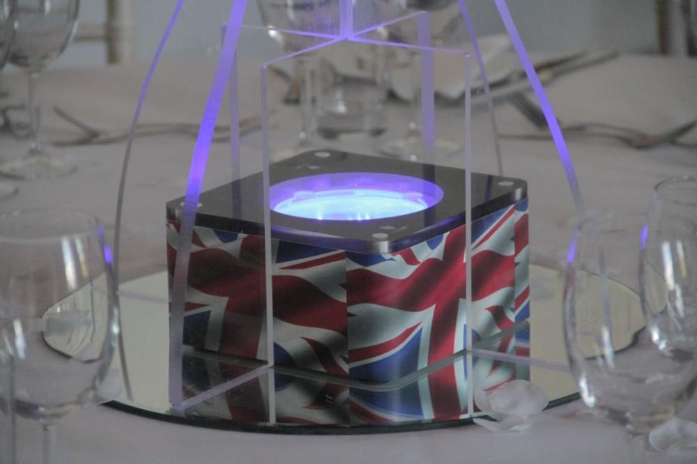 Lightbox Wraps Table Centre
