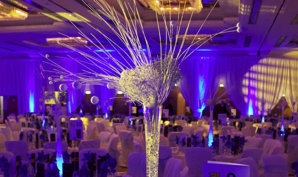 Snowball Vase Table Centre