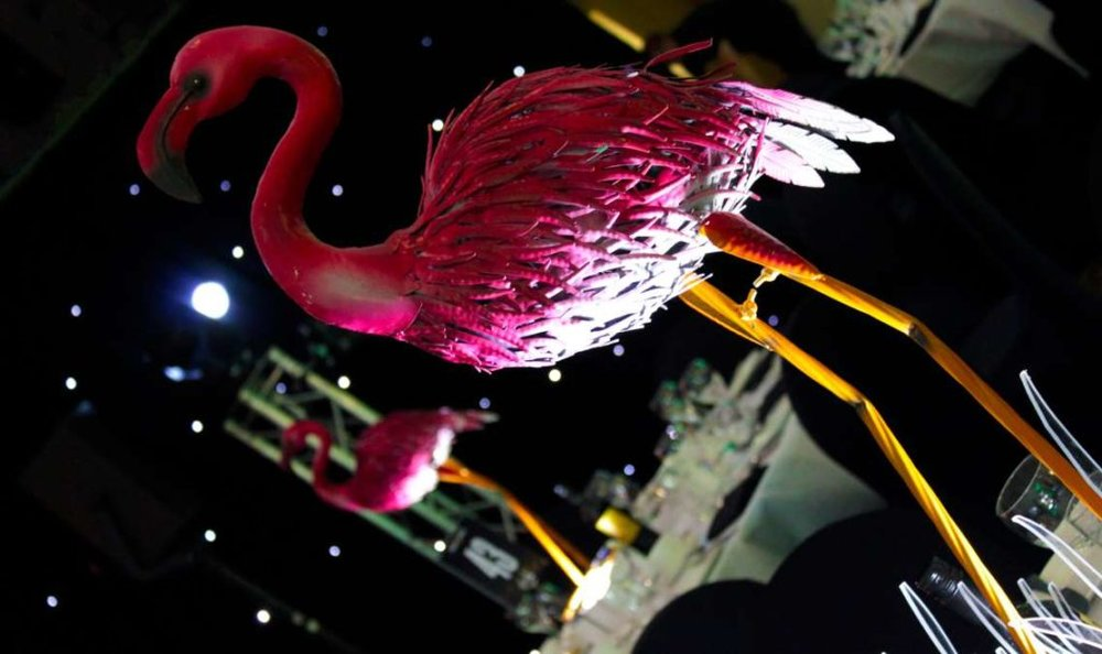 Flamingo Table Centre