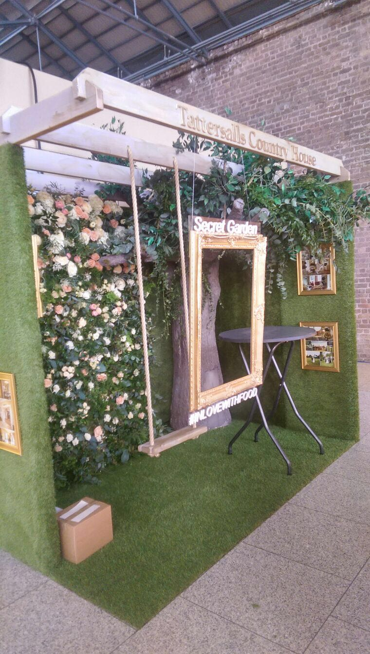 Pop up Grass Exhibition Stand