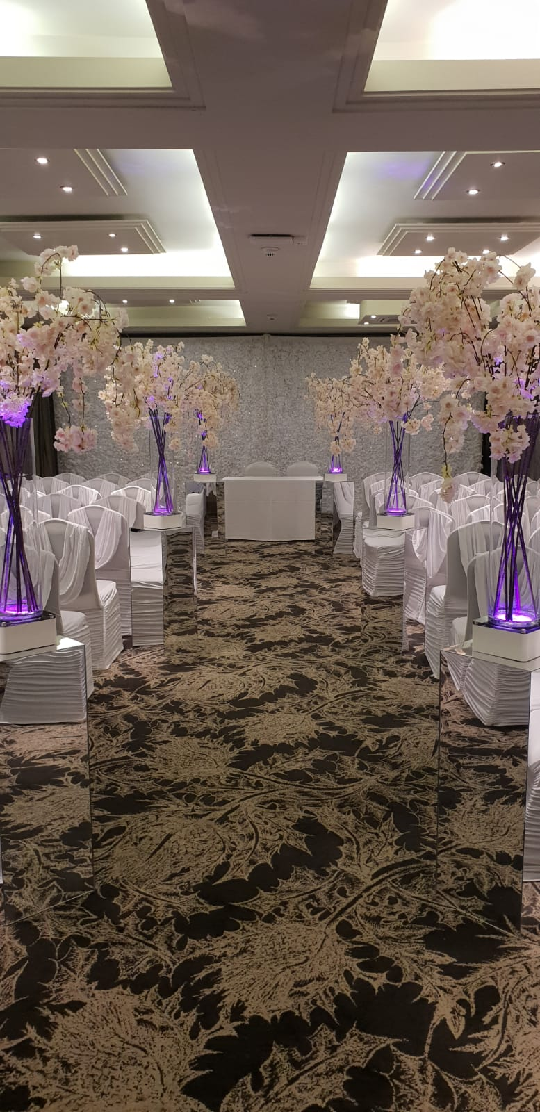 Mirrored plinths for hire Scotland