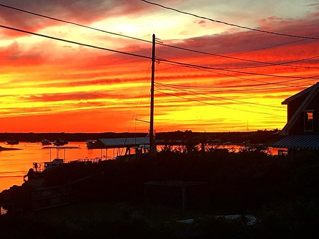 Who ordered the sunset?? 🤣 🌅 🌅 🌅 🌅 🌅#homeportmv #menemsha #marthasvineyard #sunset #september