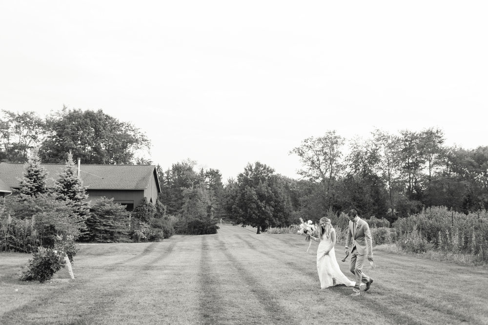 black-and-white-farm-wedding-connecticut