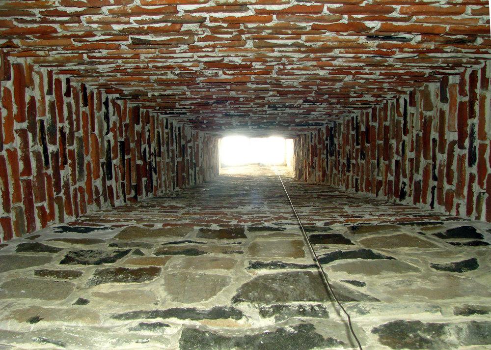 Interior of Chamber Room Chimney 208PM CPSS51S 1.JPG