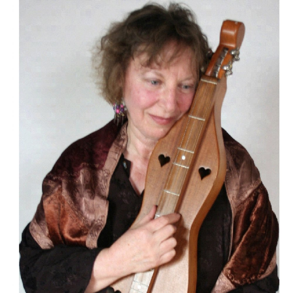 Naomi and her dulcimer.JPG