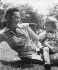 Lily with Naomi photo.jpg