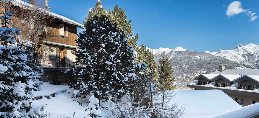 CARRE BLANC, Courchevel, Luxury Ski Apartments - Location: Couchevel Village, Mount BlancGuide Price From: €1.180,000 4-BedApartment No 120+ Spa with Fitness and Wellness AreaCarré Blanc is an authentic testament to the architectural heritage of the valley of the Tarentaise. The chalets are clad in traditional stone with a beautiful blond wood whilst the design style pays respect with utmost care and attention to the natural ambiance of Courchevel Village, which basks in the presence of the ever-present sentinel that is the majestic Mount Blanc.So come and join us in our mountain retreat and let natures beauty embrace you!