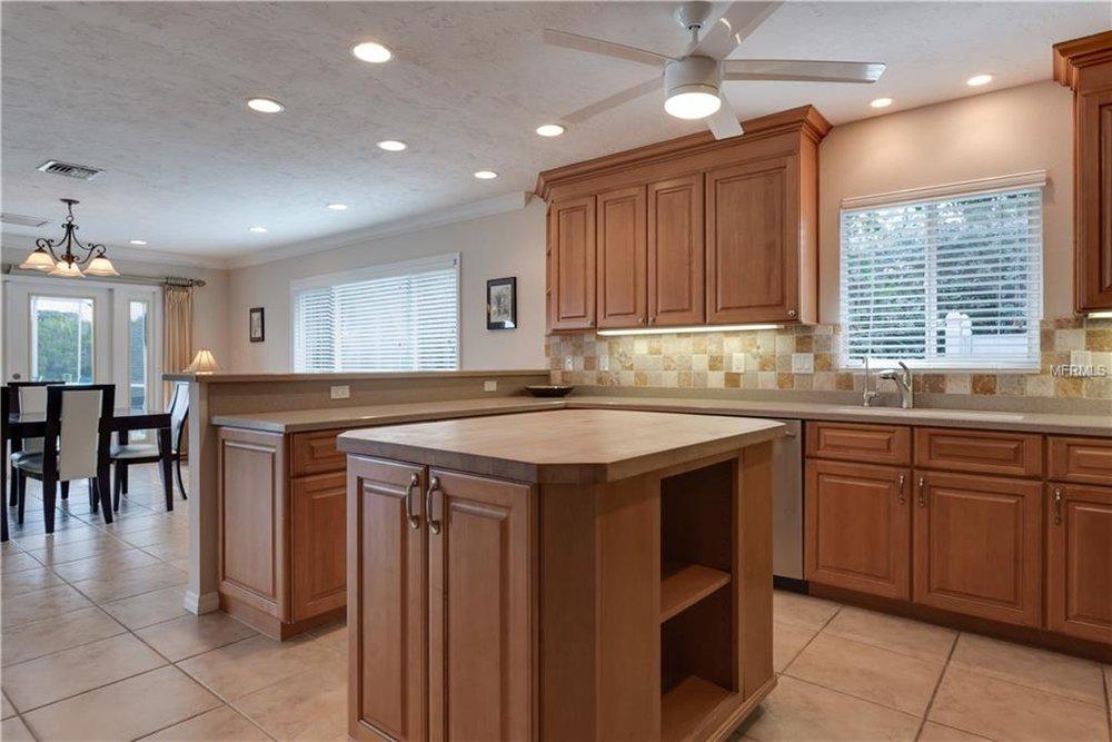 4 winslow kitchen.jpg