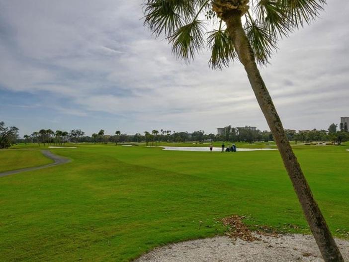 SOLD:  Harbour Oaks in Bay Isles, Longboat Key. $595,000