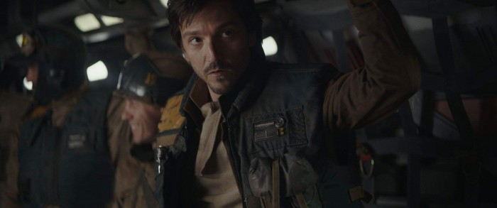 Rogue-One-A-Star-Wars-Story-Diego-Luna-as-Cassian-Andor-2-700x293.jpg