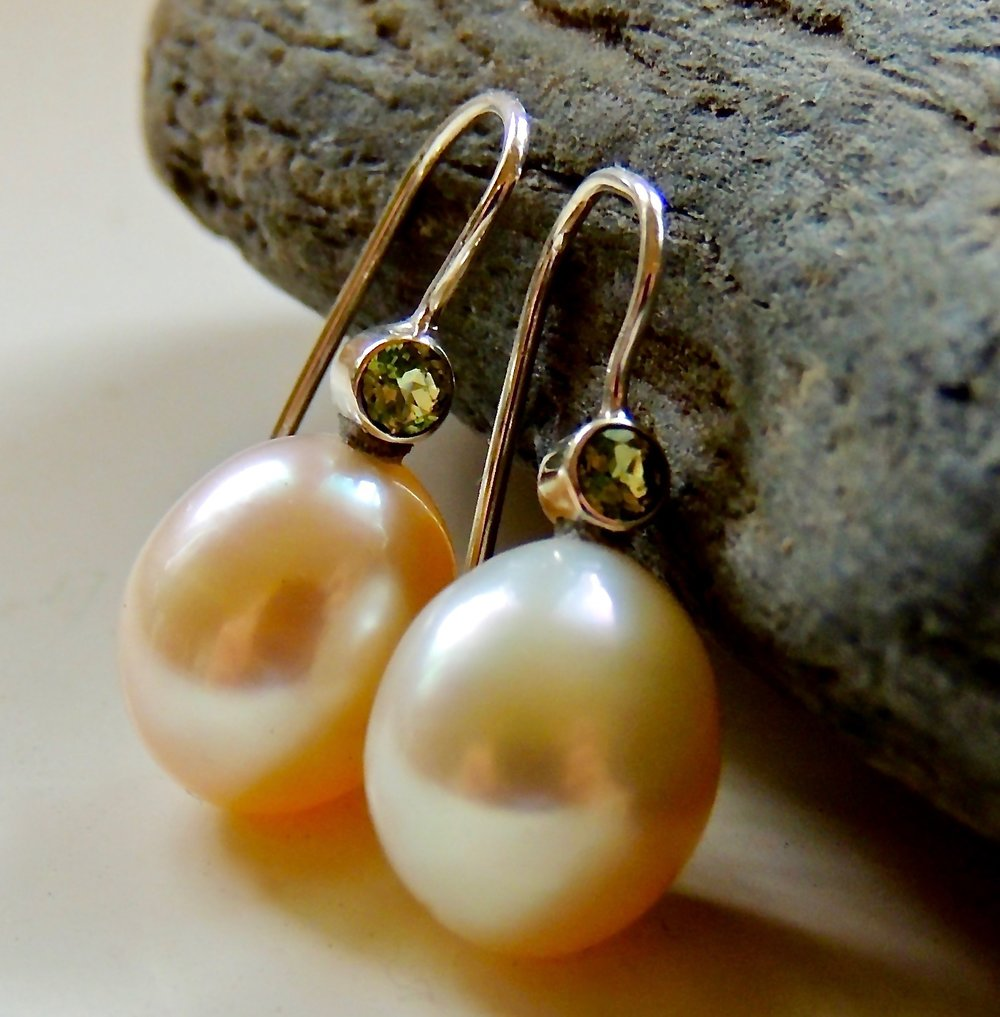 Freshwater Pearls with Peridot on Silver