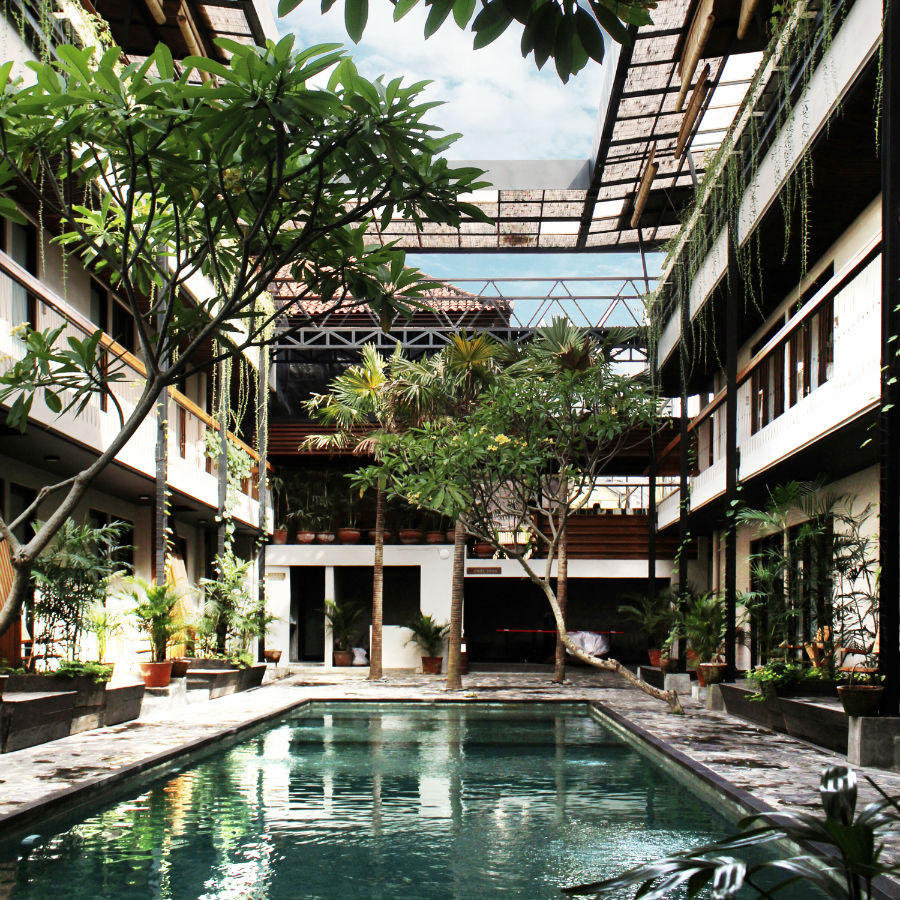 bali-coliving-space-pool.jpg