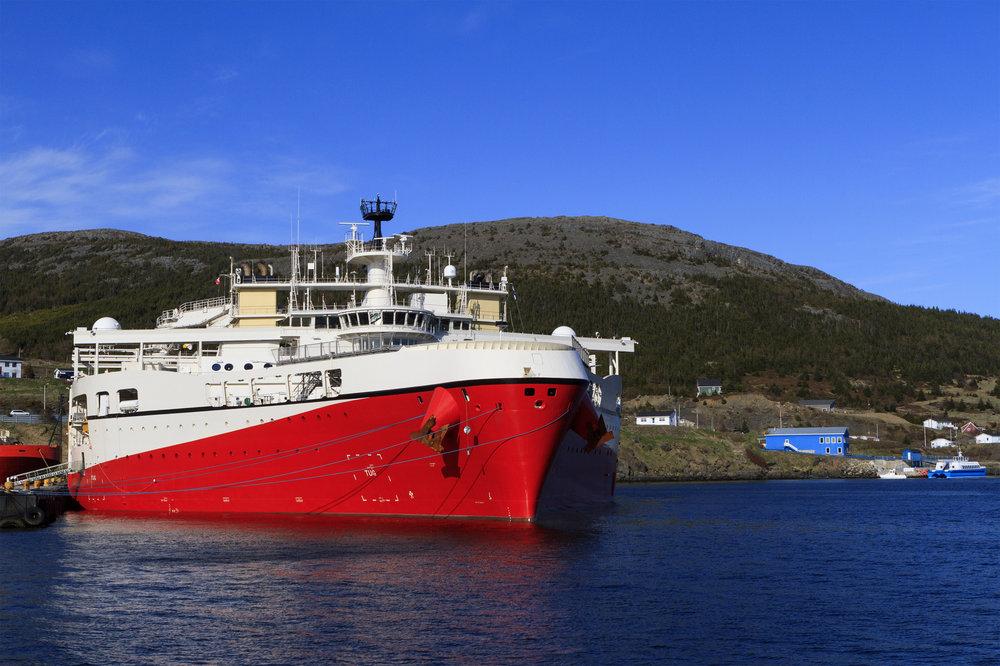 Seismic vessel in dock - EDR Geophysical Consultants