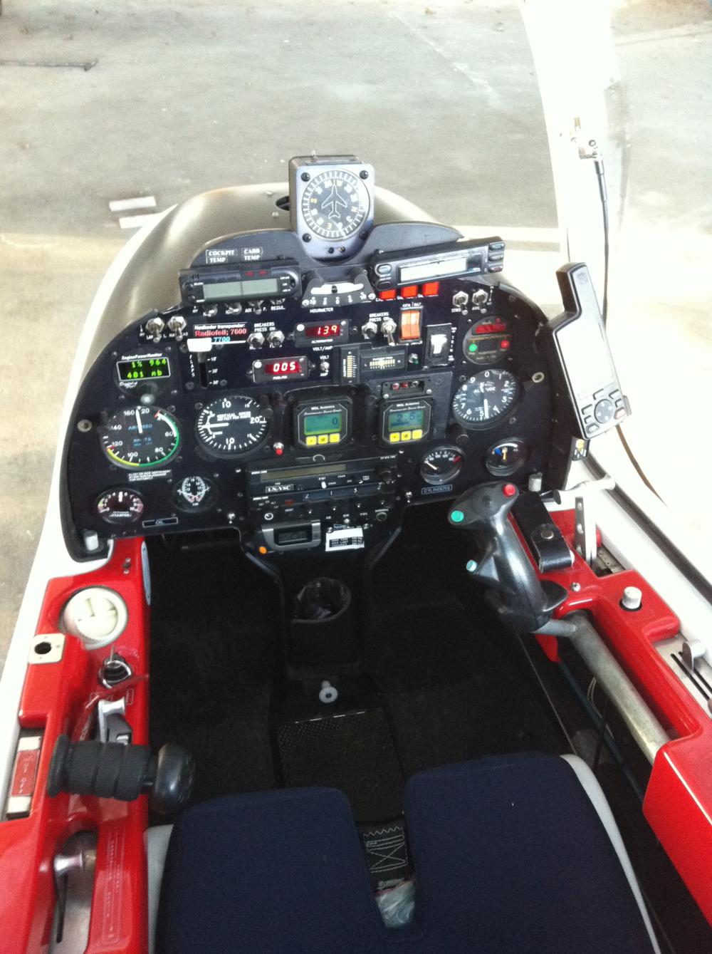 Cockpit LN-LN YSC.png
