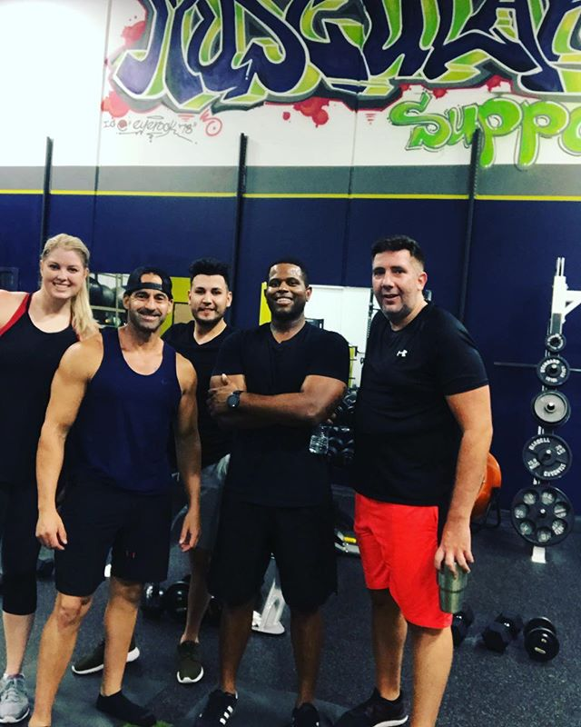 The love I have for my 3T FITNESS clients is unmatched! These people are more than clients we are a family, we rise together and we fall together. This team lifts each other up and we all push each other to greatness ❤️ With ❤️, Coach JV  #weeklytransformationupdate #bodytransformationprogress #changeyourbody #mindandbody #motivation #mesaaz #arizona #motivationalspeaker #toptrainer #HIITcardio #getresults #stopslacking #mesaaz #mesa
