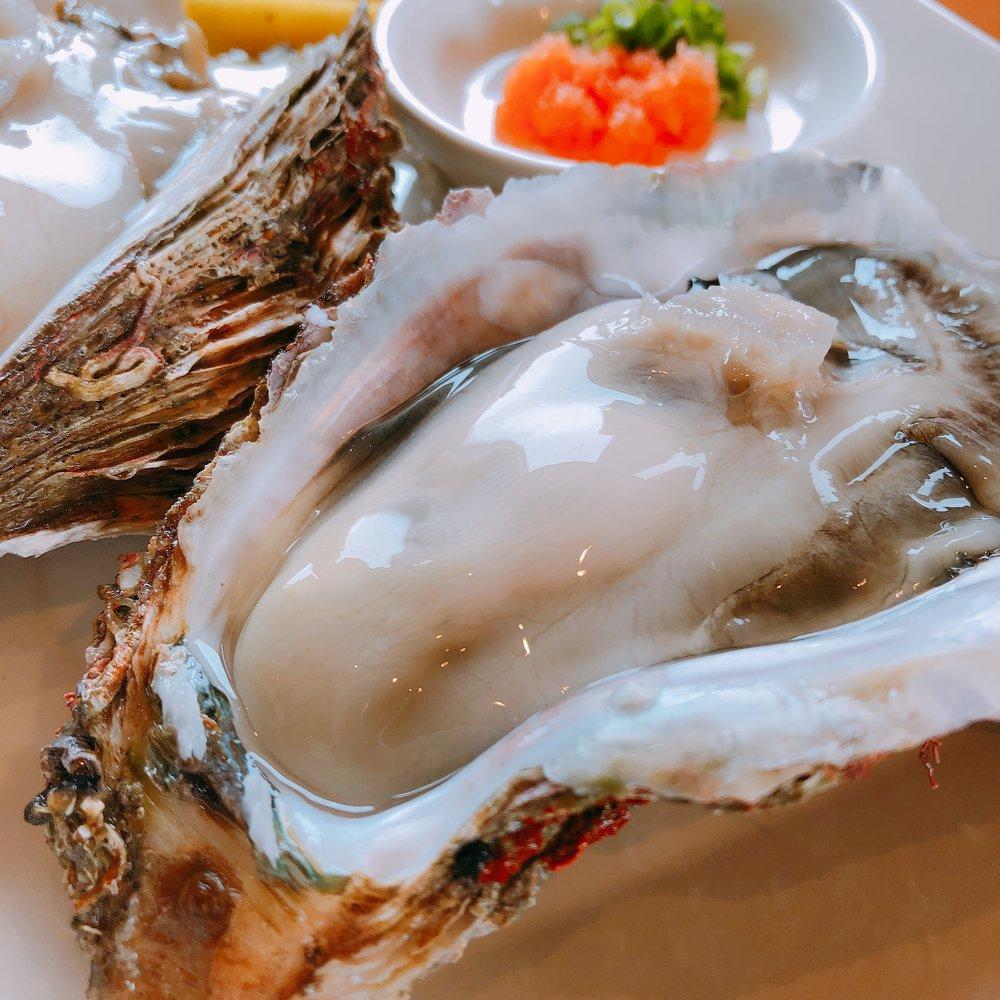 カフェトレインの岩牡蠣