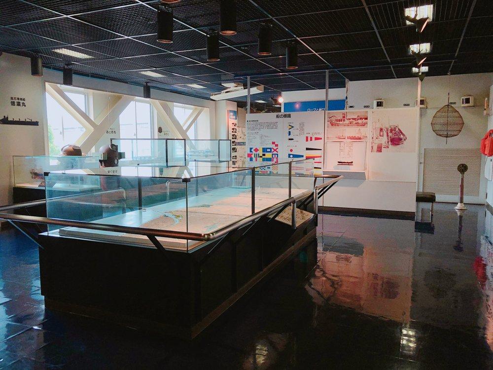 港湾資料室中央の大パノラマ模型