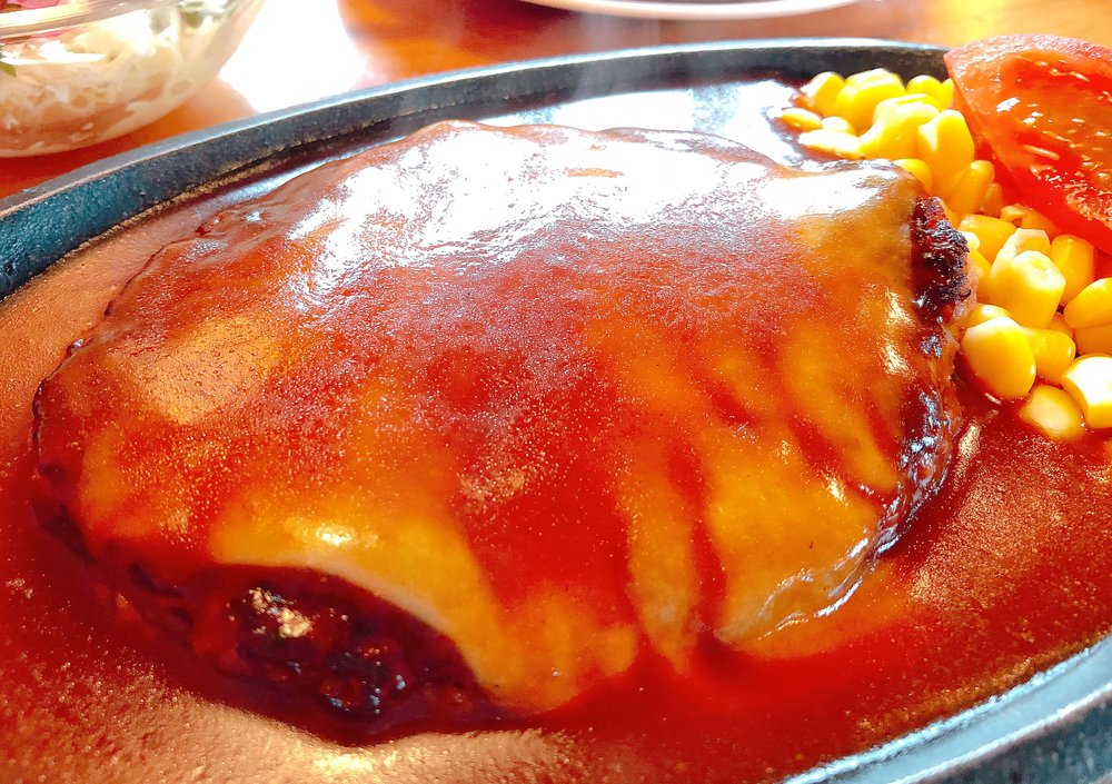 駅馬車 ランチチーズハンバーグセット(150g 1,180円・税込)ライスorパン、サラダ、ドリンク付き