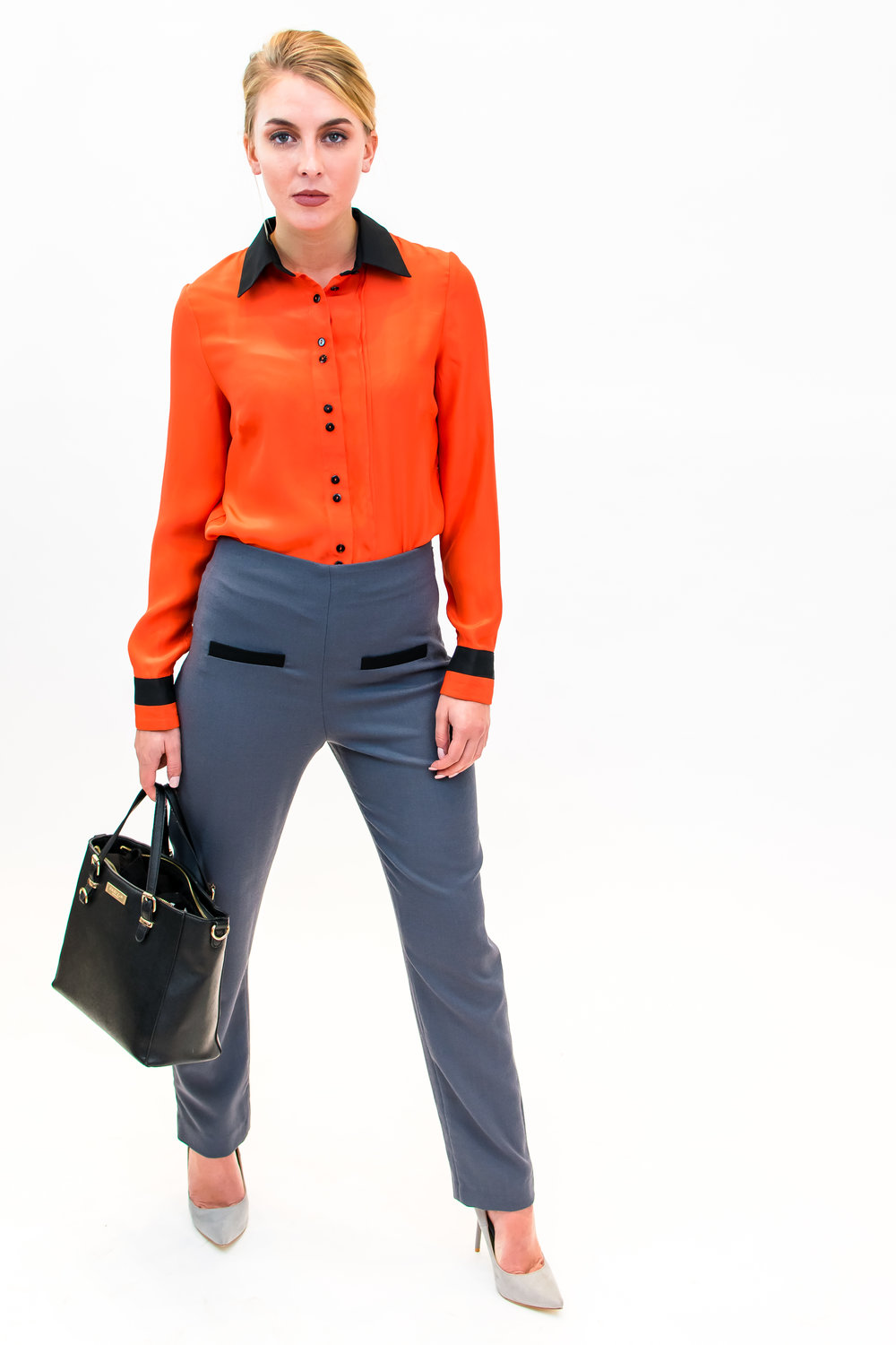 Blouse with two pleats & trousers with welt