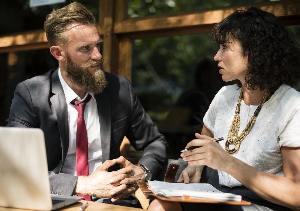 Steuerfreier Lohn wird einfach im gemeinsamen Gespräch mit einem Riso-Experten.