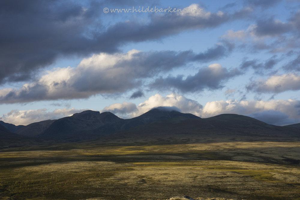 Nærbilde av fjellene i nasjonalparken fra Ranglarhø