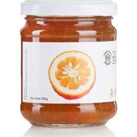 CONFETTURA DI ARANCE AMARE BIO - Descrizione: Molte varietà di arancio amaro sono utilizzate per l'estrazione del profumatissimo olio essenziale presente nella loro buccia. Vanta proprietà medicinali, favorisce l'appetito e la digestione.Ingredienti: arance amare bio, succo di limone bio, zucchero di canna bio.