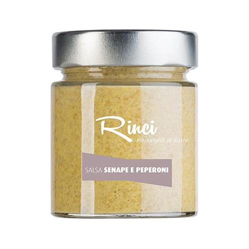 SALSA SENAPE E PEPERONI  - Descrizione: Salsa senape artigianale ottenuti da semi di senape gialla e peperoni rossi. Salsa dotata di straordinaria eleganza organolettica, in cui il gusto gentilmente piccante della senape viene ancor più affinato da quello tipico dei peperoni rossi. Il sapore della senape è delicato con gusto di peperoni. Ingredienti: acqua, aceto di vino, semi di senape 18%, peperoni 10%, zucchero, olio extra vergine di oliva, sale, spezie. Abbinamenti consigliati: È ottima per esaltare carni alla griglia o bollite di qualità, ma anche come salsa di accompagnamento per salsicce, hot-dog ed hamburger. Questa salsa è ideale in abbinamento a verdure crude come carote, sedano, peperoni, e con dell'olio extra vergine di oliva può essere usata come condimento per insalate.