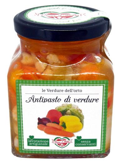 ANTIPASTO DI VERDURE - Descrizione: Solo il sapore delle verdure fresche dal taglio sottile. Senza l'aggiunta di coloranti, ne conservanti.Ingredienti: Ortaggi misti (Finocchi, Cavolfiori, Carote, Cipolline, Peperoni) 79%, Olio di Girasole, Aceto di Mele, Zucchero, Sale Marino.Consigli per la preparazione: Pronto all'uso. Ideale come antipasto e/o come contorno l'antipasto di verdure è ottimo anche per condire pasta, insalatone fredde, carni, pesce crostini, insalata russa e salse.