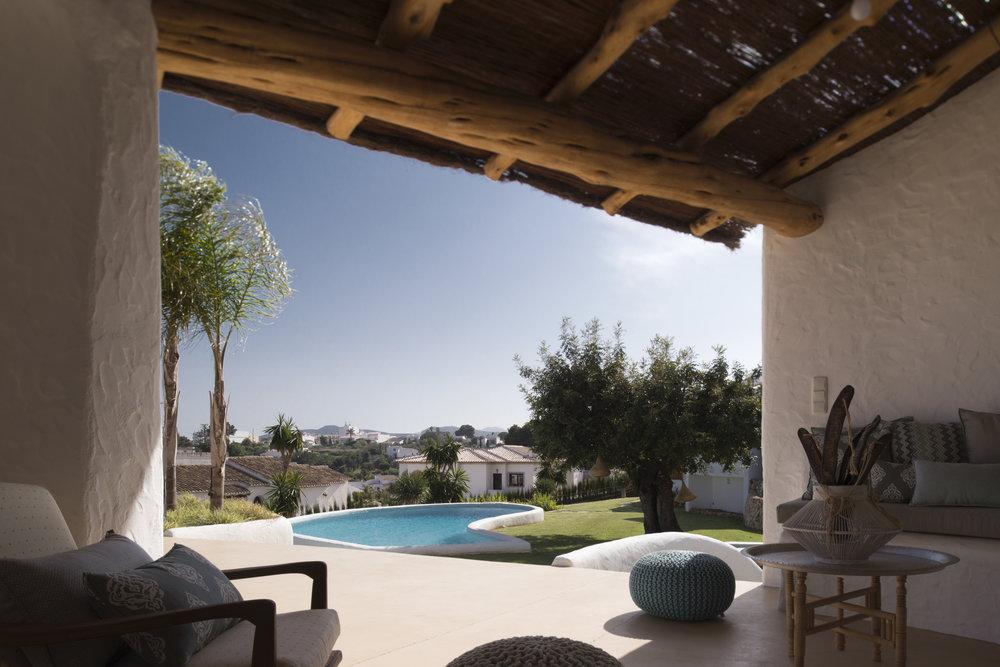 pool house manuel jorge.jpg