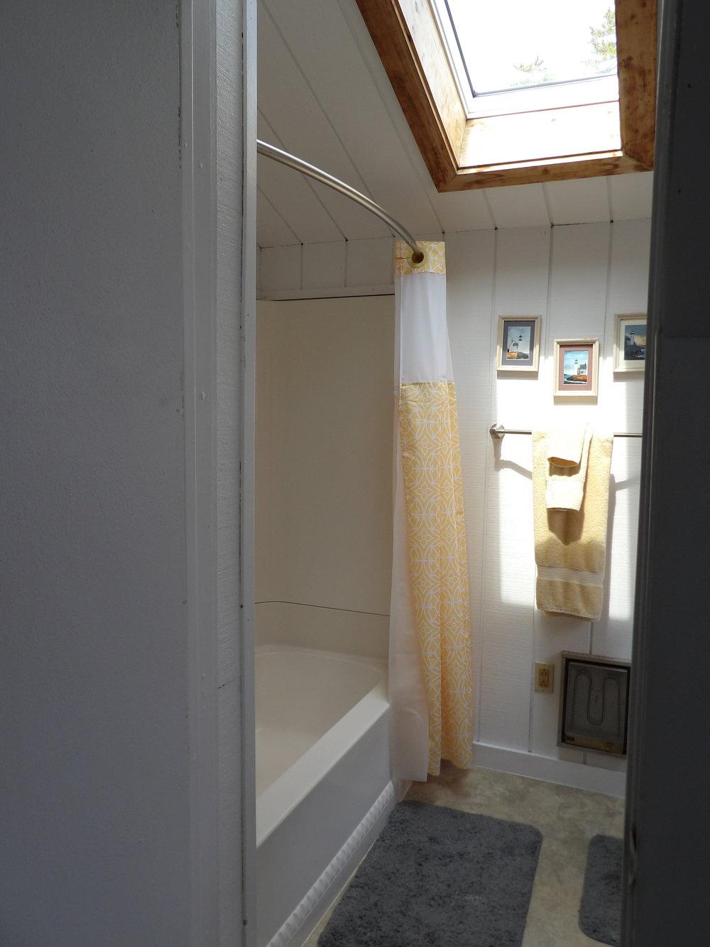 Bath1-1.JPG