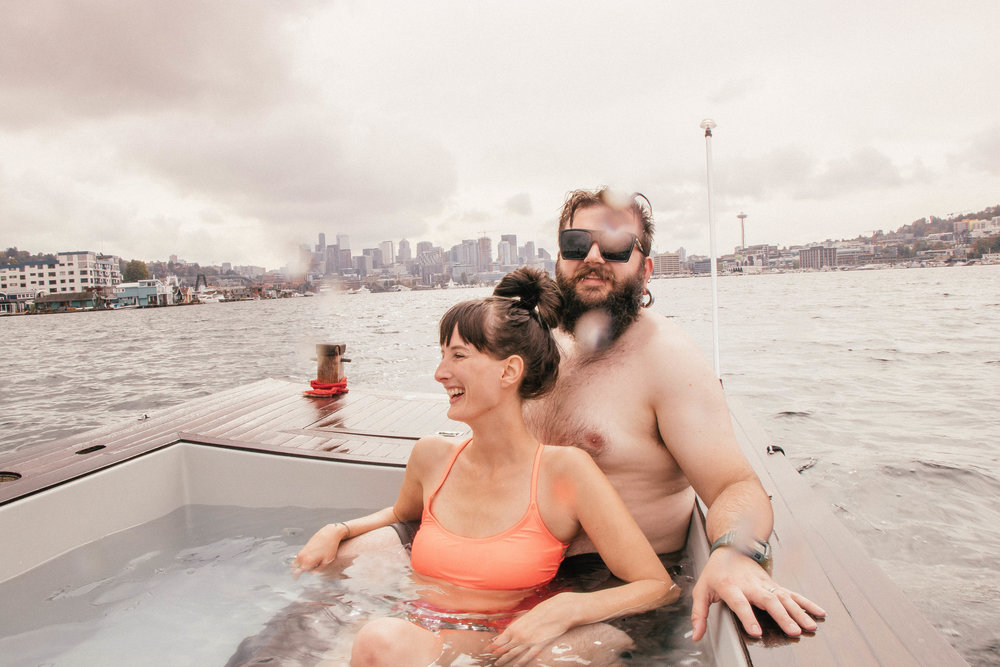 hot_tub_boats_1.jpg