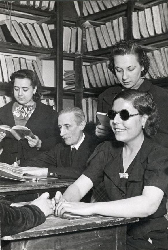 Carlos MONTES. Organización Nacional de Ciegos. Sección de copia.Madrid, 4 de mayo de 1945