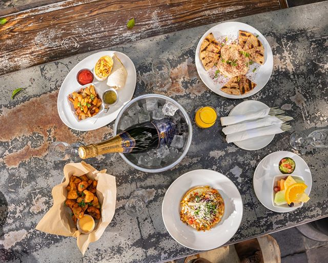 Weekends are for brunch! Get the squad together and get down here before it gets cold! #brunchislife #thereisnoplacelikehome . . . . . #patiodecor #patiodining #patiotime #patiovibes #outdoordininglife #outdoordesign #eatoutside #eatathome #mimosalife #brunchin #bloodymarytime #brunchclub #easthollywood #breakfastgoals #breakfastgram #breakfastinspo #breakfasttime #breakfastlove #breakfastflow #breakfastallday #breakfastoftheday #breakfastathome #silverlakeeats #restaurantsofinsta #restauranthunt #restaurantbar #eatingout