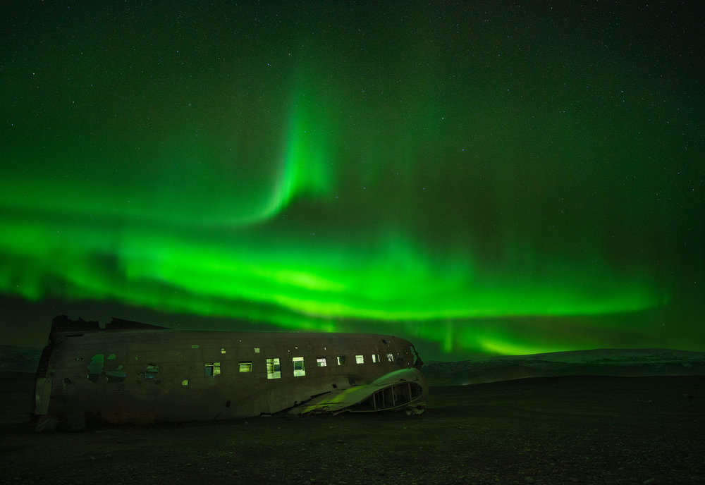 airplain-aurora.jpg