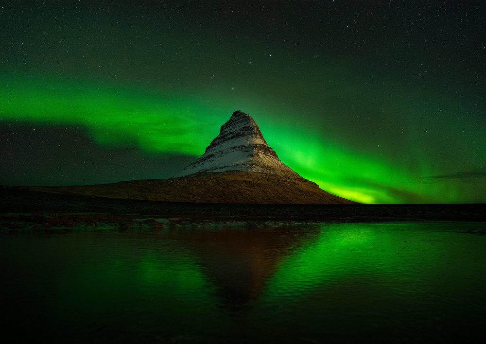 kirkjufell-aurora.jpg