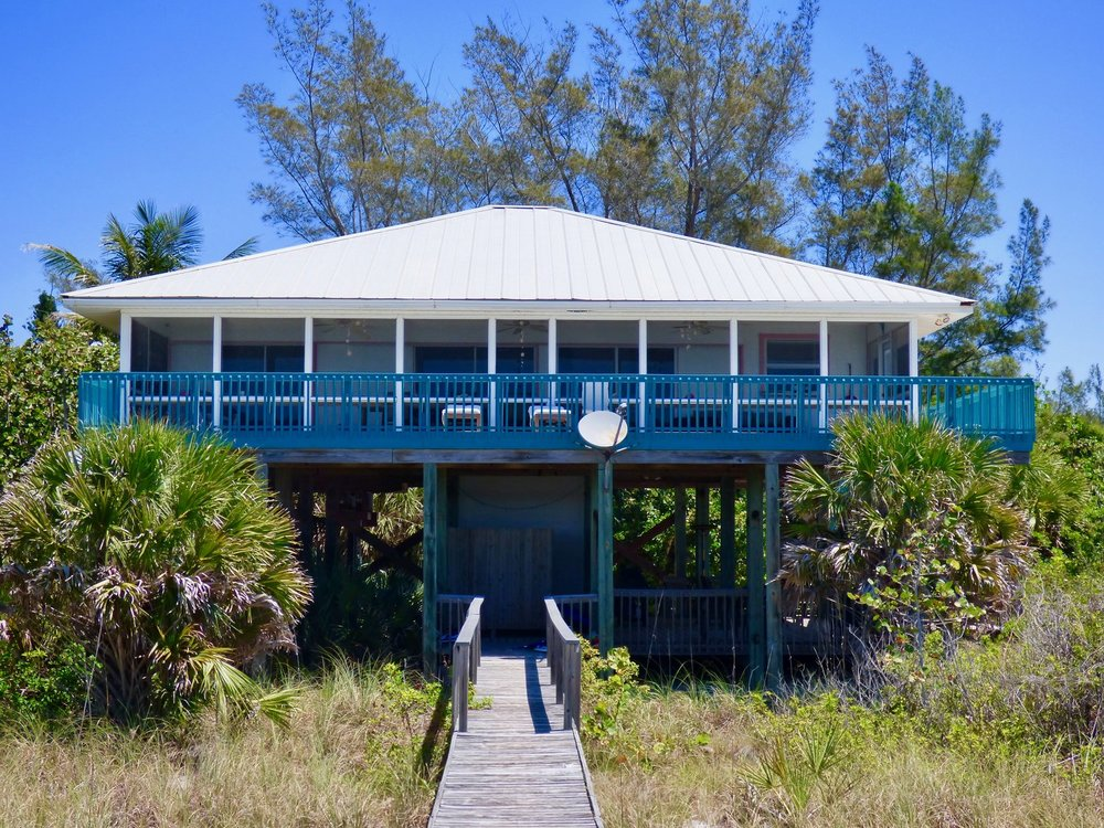 Big Blue - 4-Bedroom, 2 BathKING BED, KING BED, TWO QUEENS, TWO TWIN BEDS, SLEEPS 8
