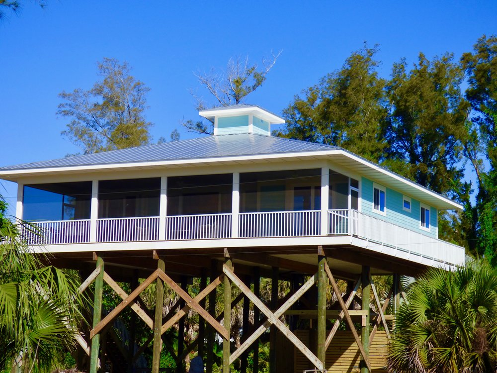 Cuttlefish Cottage - 3-Bedroom, 2 BathQUEEN BED (MASTER), KING BED, TWO TWINS, SLEEPS 6