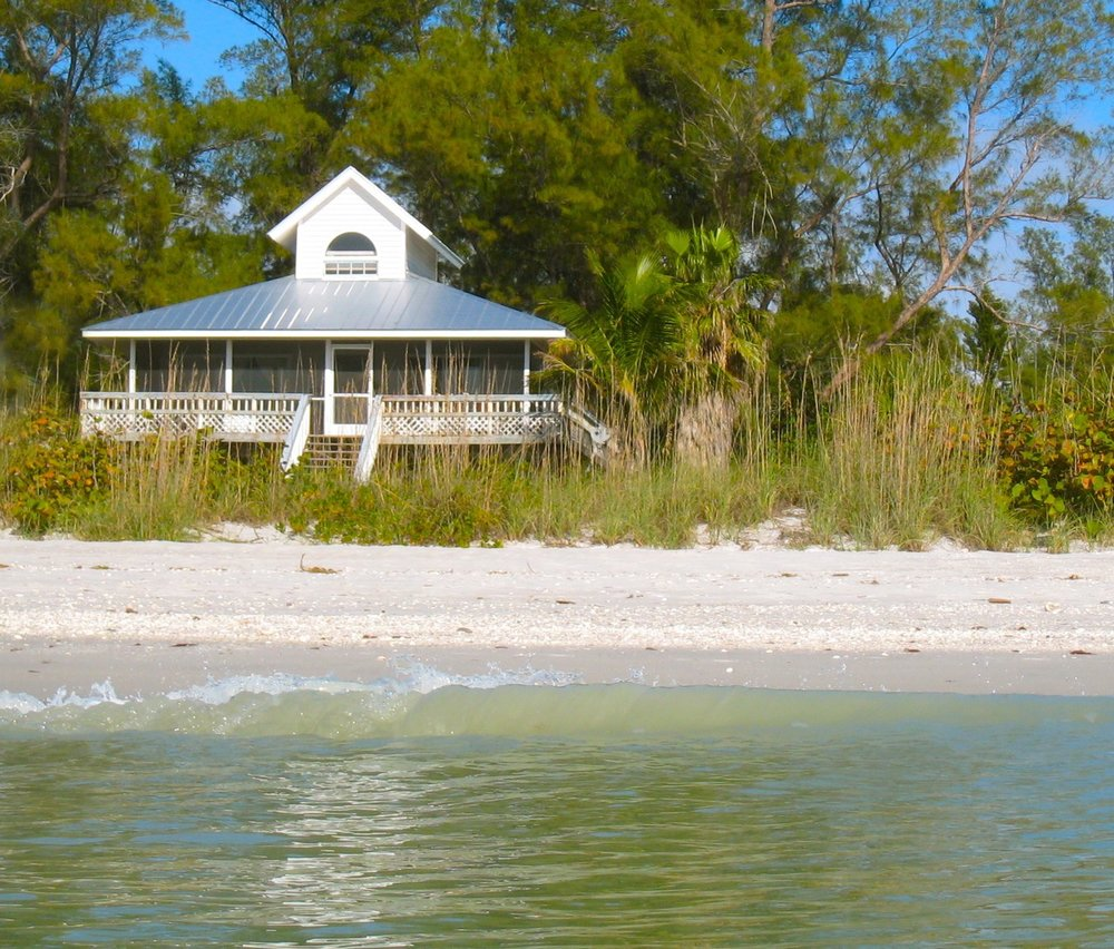 Sea Star Beach House - 2-Bedroom + Loft, 1.5 BathKING BED,QUEEN BED, AND THREE TWIN BEDS, SLEEPS 7